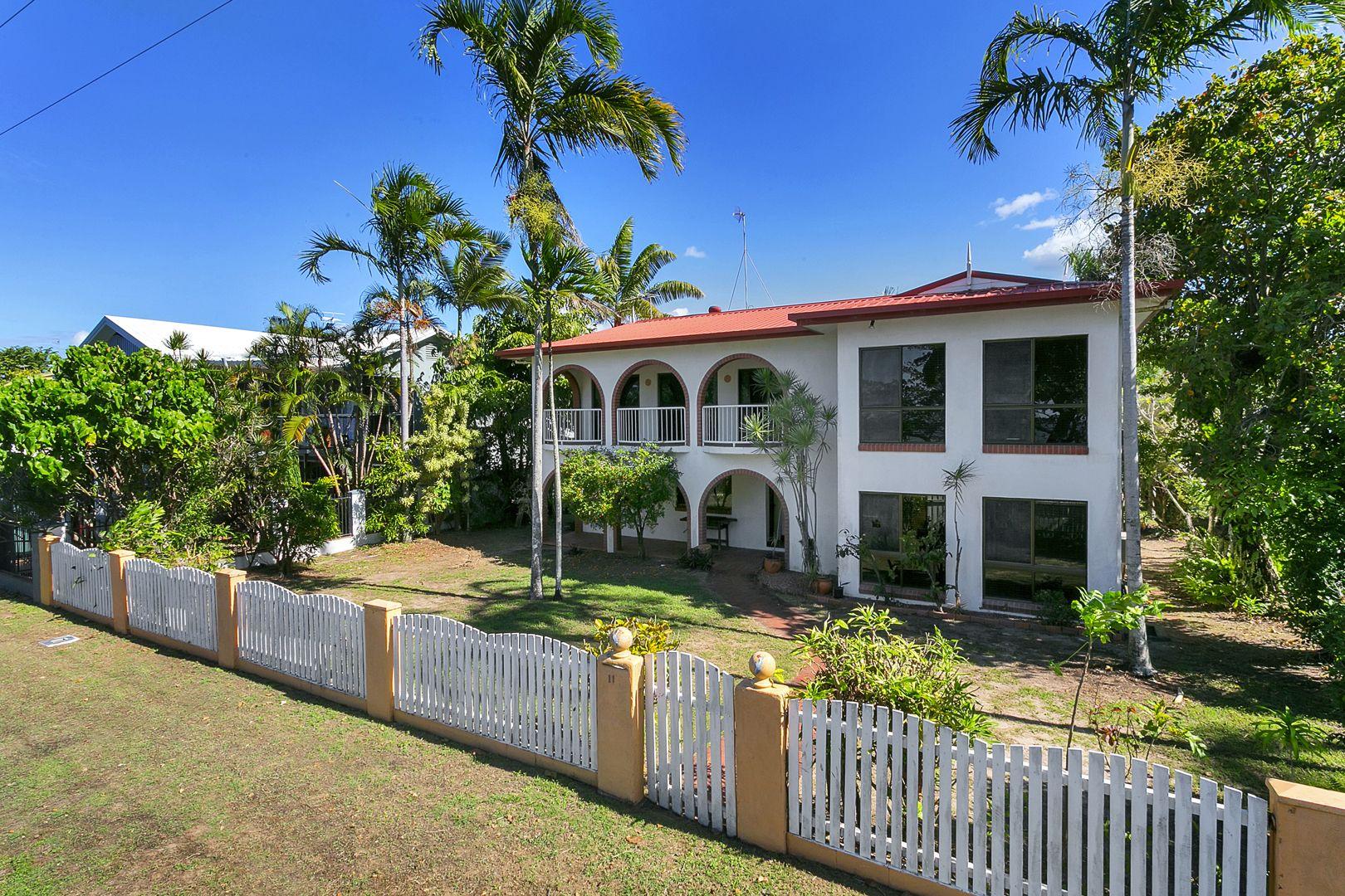 11 Casuarina Street, Holloways Beach QLD 4878, Image 1