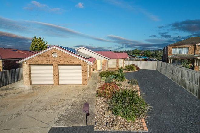 Picture of 4 Cowan Court, LOVELY BANKS VIC 3213