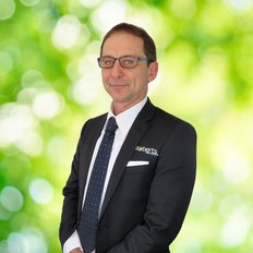 Jarrod Leslie, Sales representative