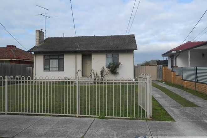 Picture of 33 Kanooka Grove, DOVETON VIC 3177