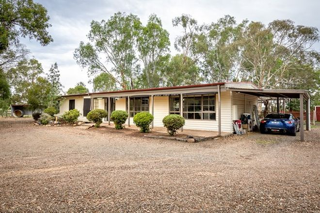 Picture of 210 Coach Road, KIALLA EAST VIC 3631