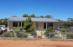 184 Camp Street, Temora NSW 2666