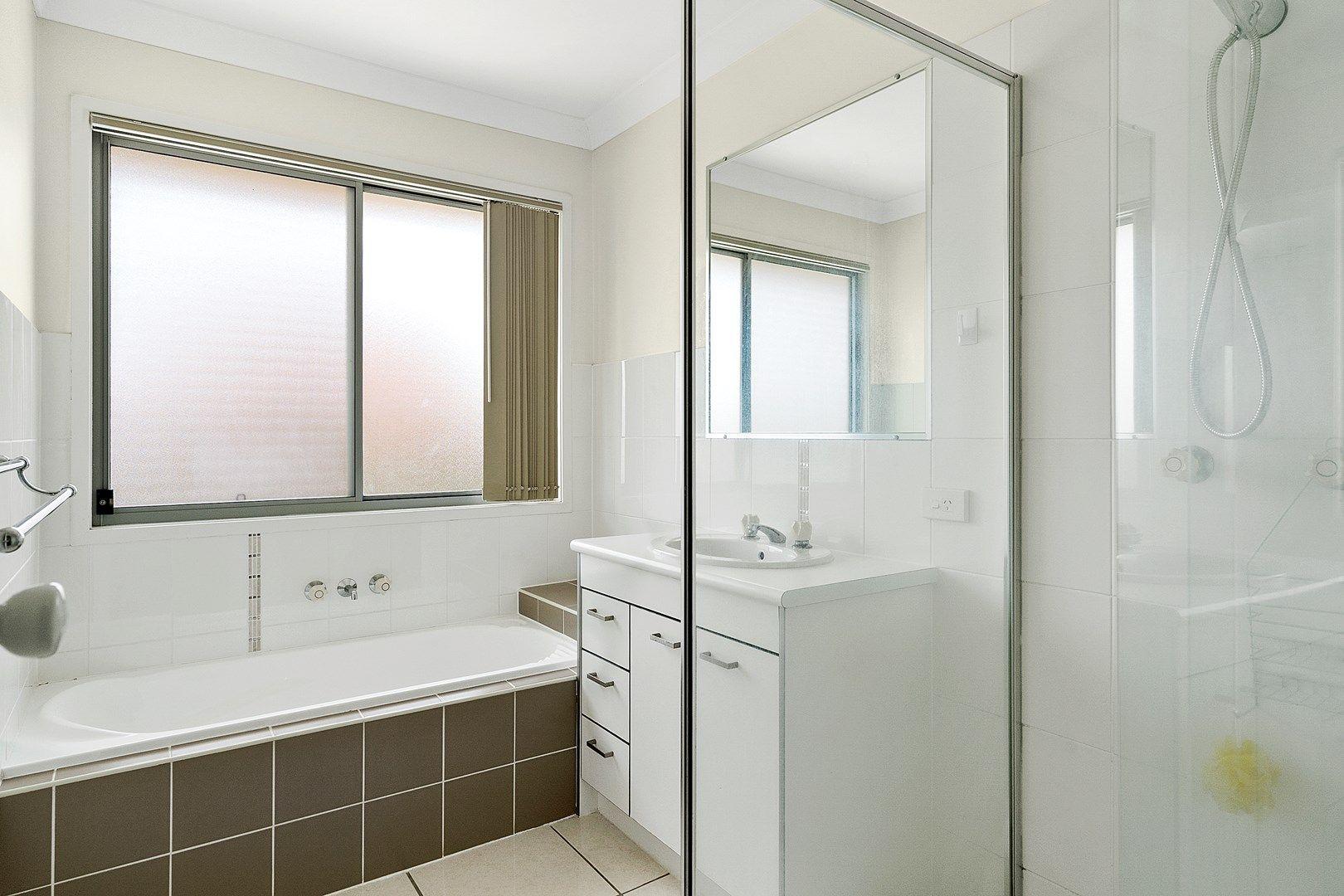 28 Sunrise Crescent, Regents Park QLD 4118, Image 2