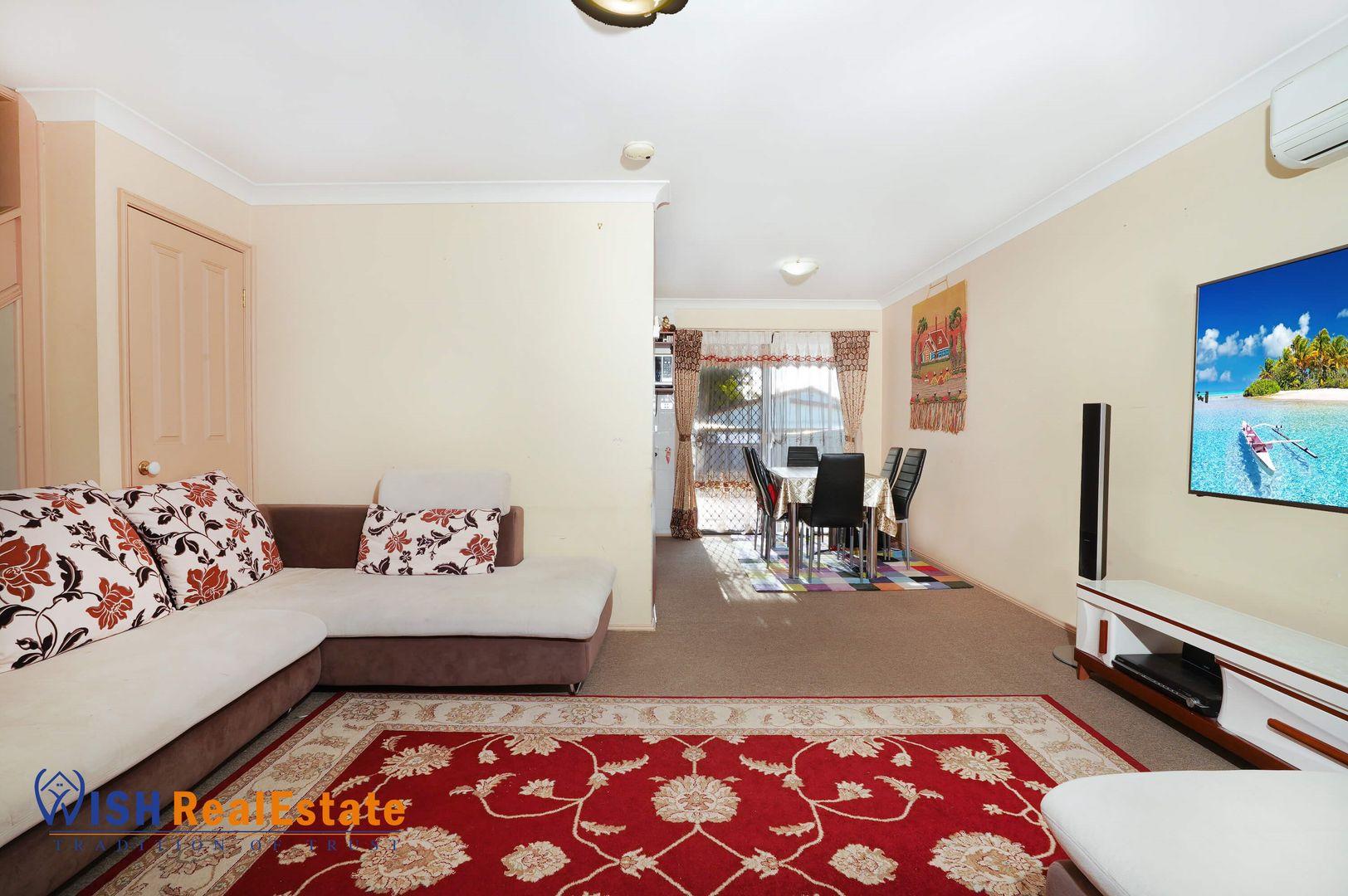 1/14 Westringia Place, Macquarie Fields NSW 2564, Image 1
