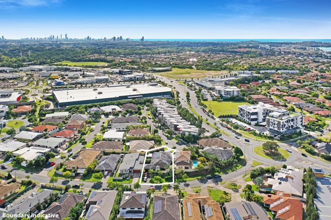 Picture of 54 Heights Drive, ROBINA QLD 4226