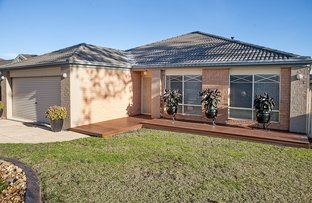 Picture of 1 Eldershaw Drive, Lynbrook VIC 3975