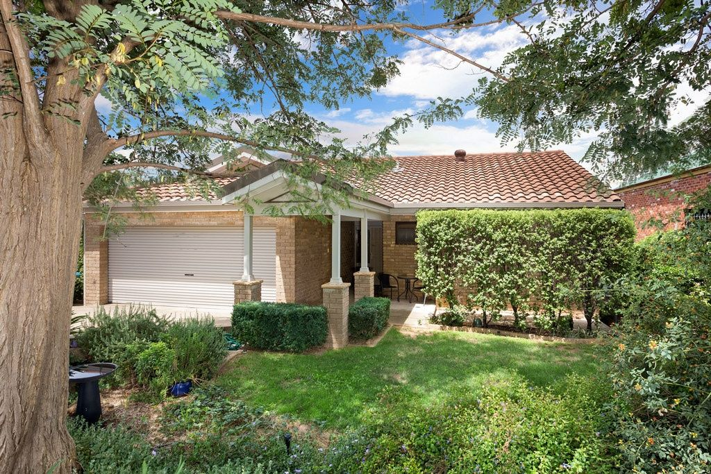 15 Andrews Avenue, Kooringal NSW 2650, Image 0