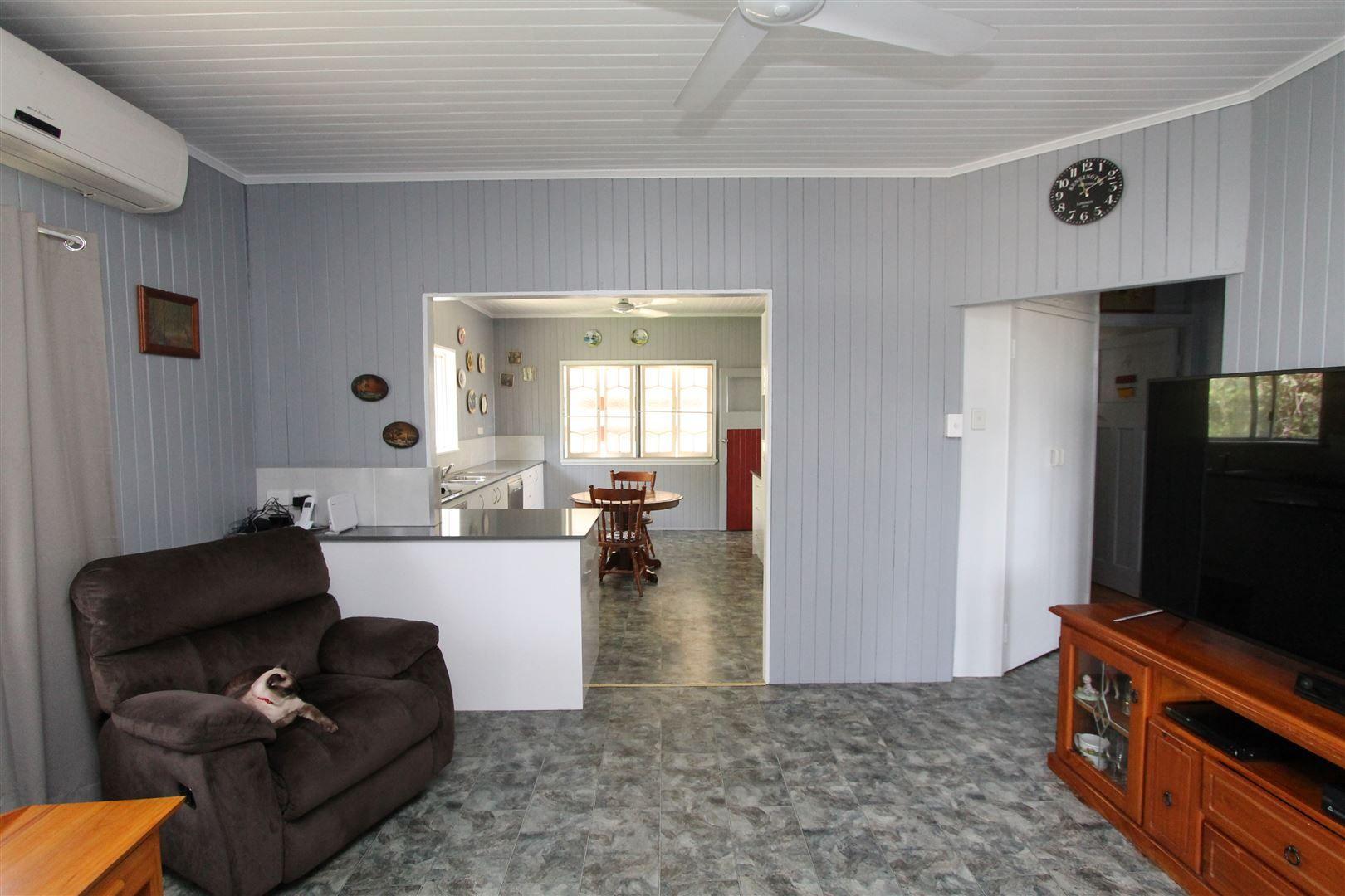 46 Thirteenth Avenue, Home Hill QLD 4806, Image 2