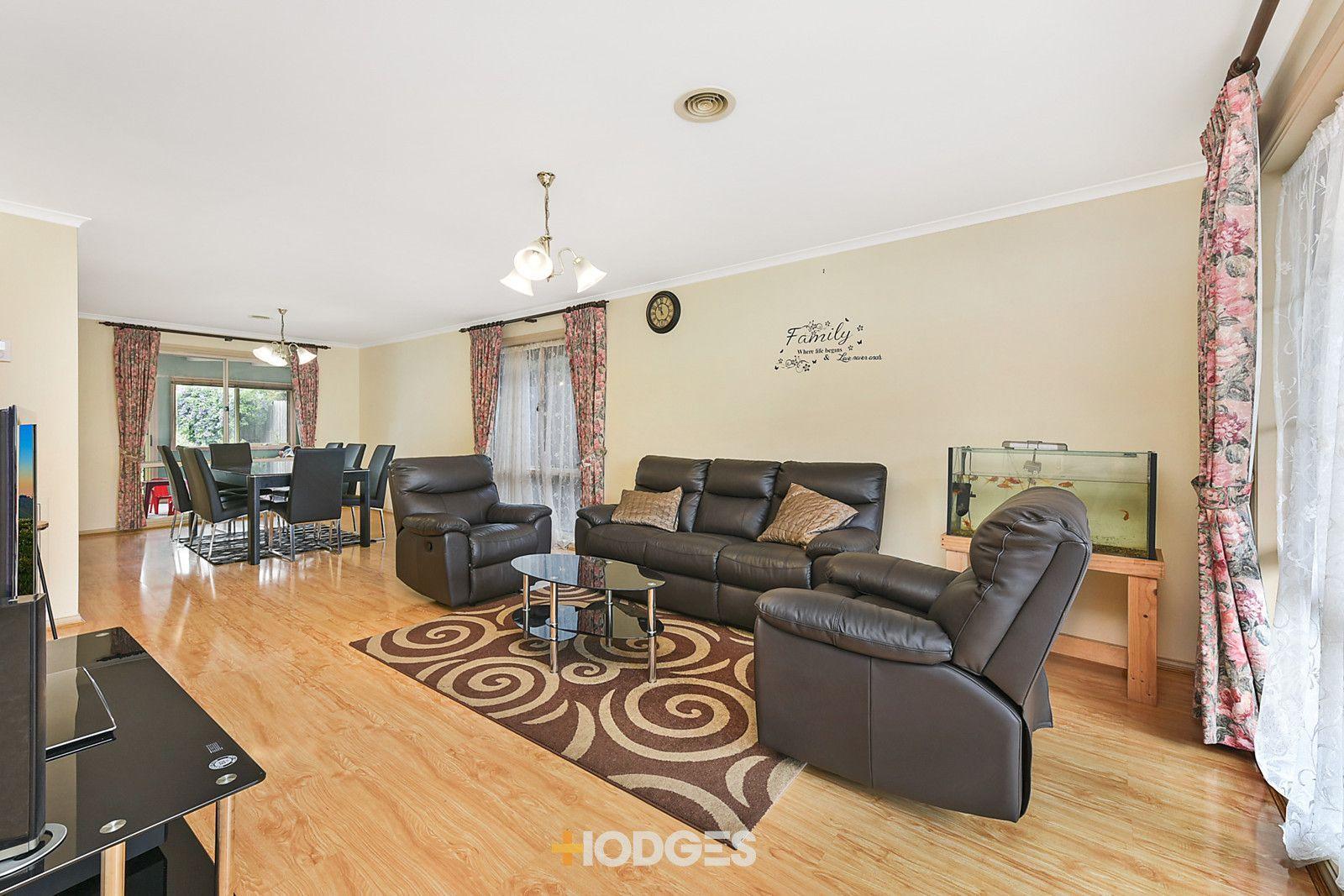 10 Jasper Court, Hampton Park VIC 3976, Image 1