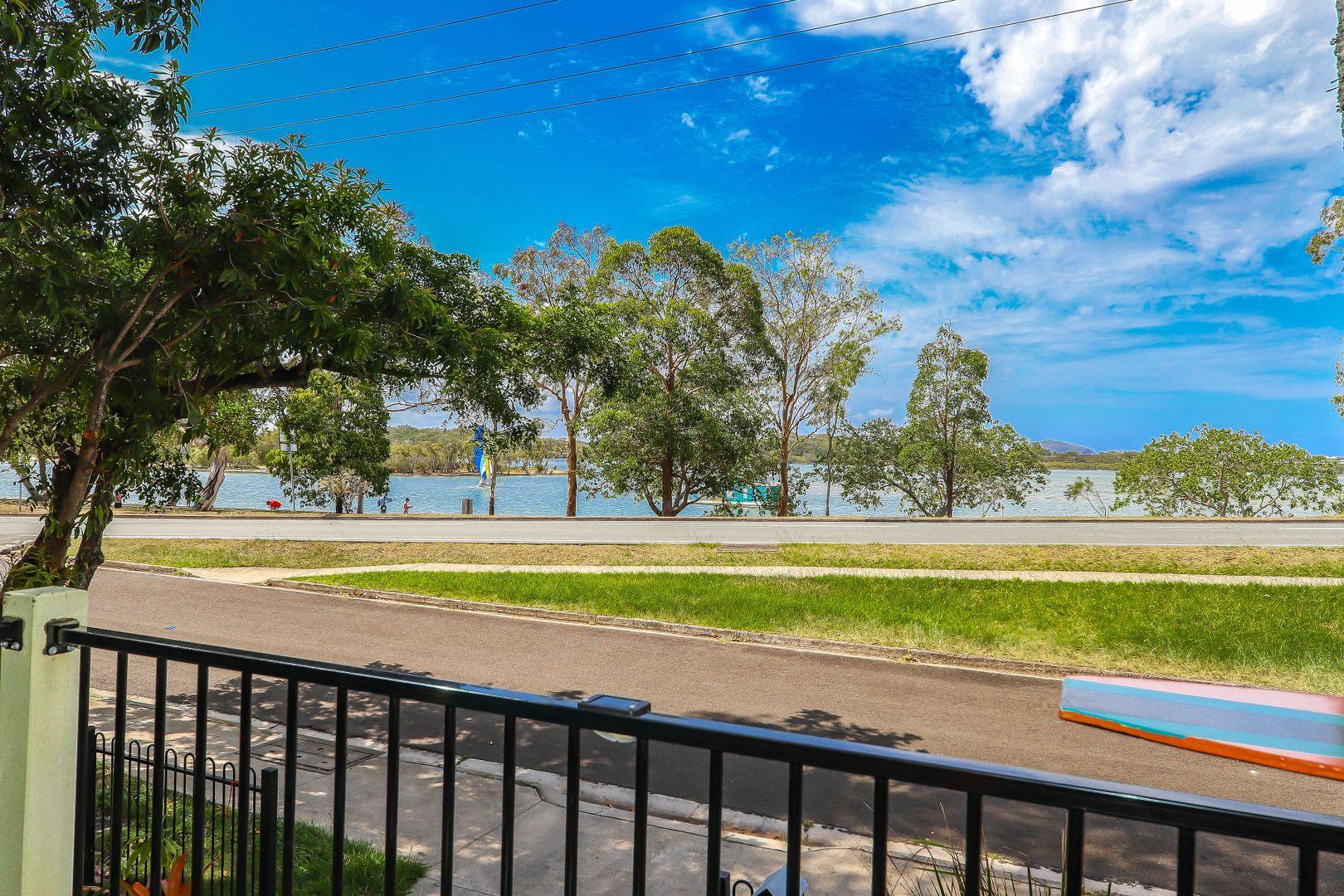 7 Bradman Avenue, Maroochydore QLD 4558, Image 2