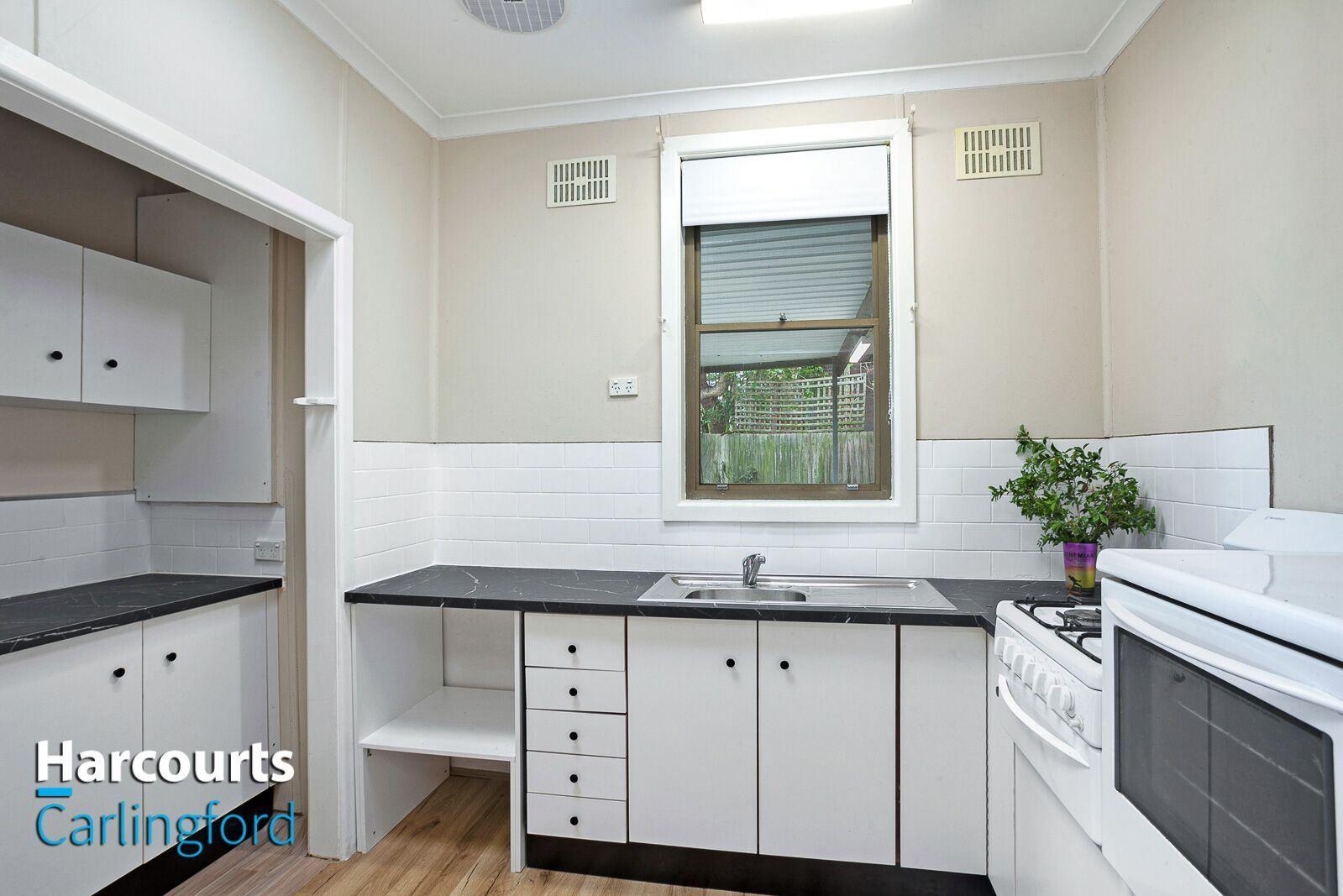 7 Larra Place, Dundas Valley NSW 2117, Image 2