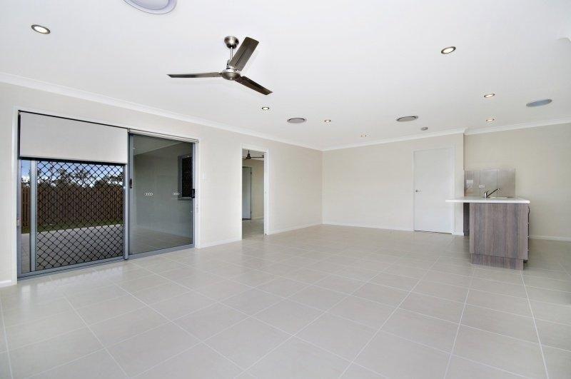 13 Nima Street, Burdell QLD 4818, Image 2