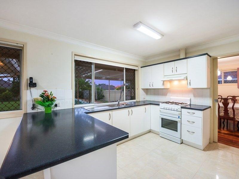 16 Falstaff Street, Sunnybank Hills QLD 4109, Image 2