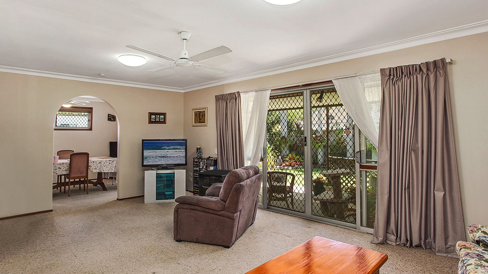 11 Dabchick Drive, Burleigh Waters QLD 4220, Image 2
