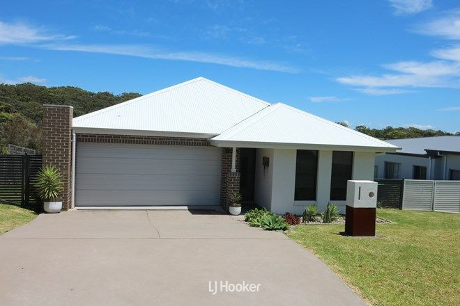 Picture of 12 Torquay Circuit, RED HEAD NSW 2430