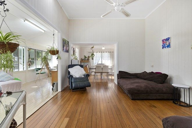 Picture of 39 Laguna Street, BOREEN POINT QLD 4565