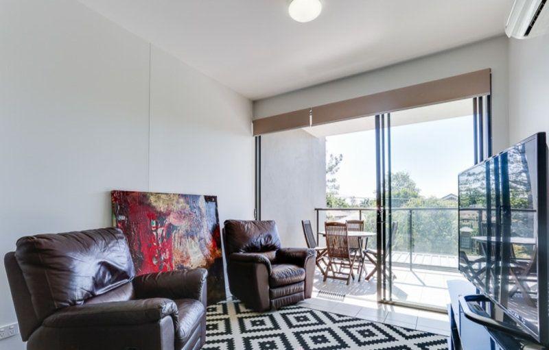 202/9 Allardyce Street, Graceville QLD 4075, Image 2