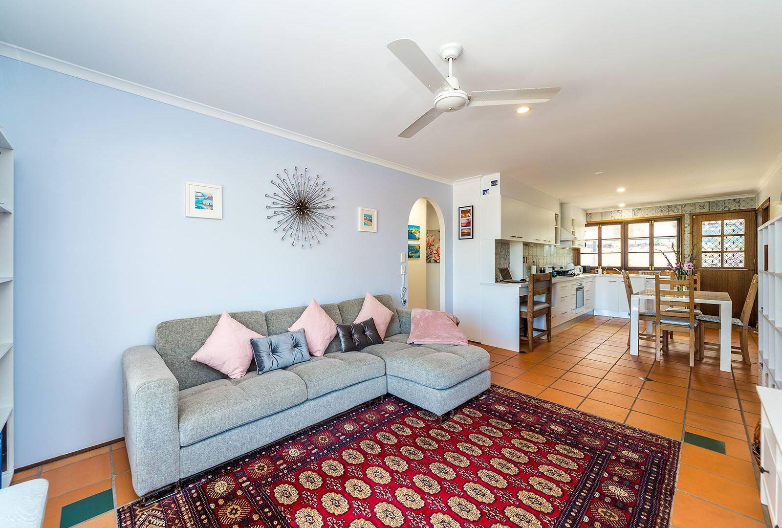 27/13 Cannington Place, Helensvale QLD 4212, Image 2