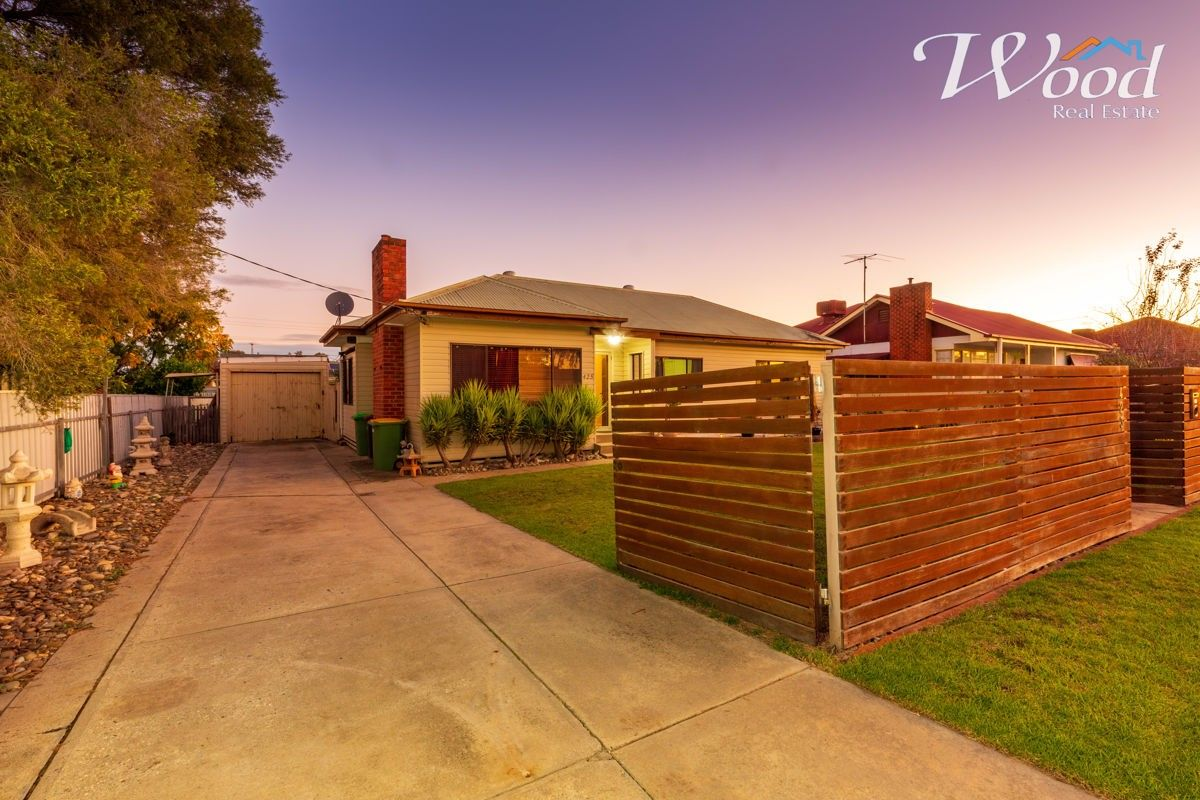423 Nowland Ave, Lavington NSW 2641, Image 0