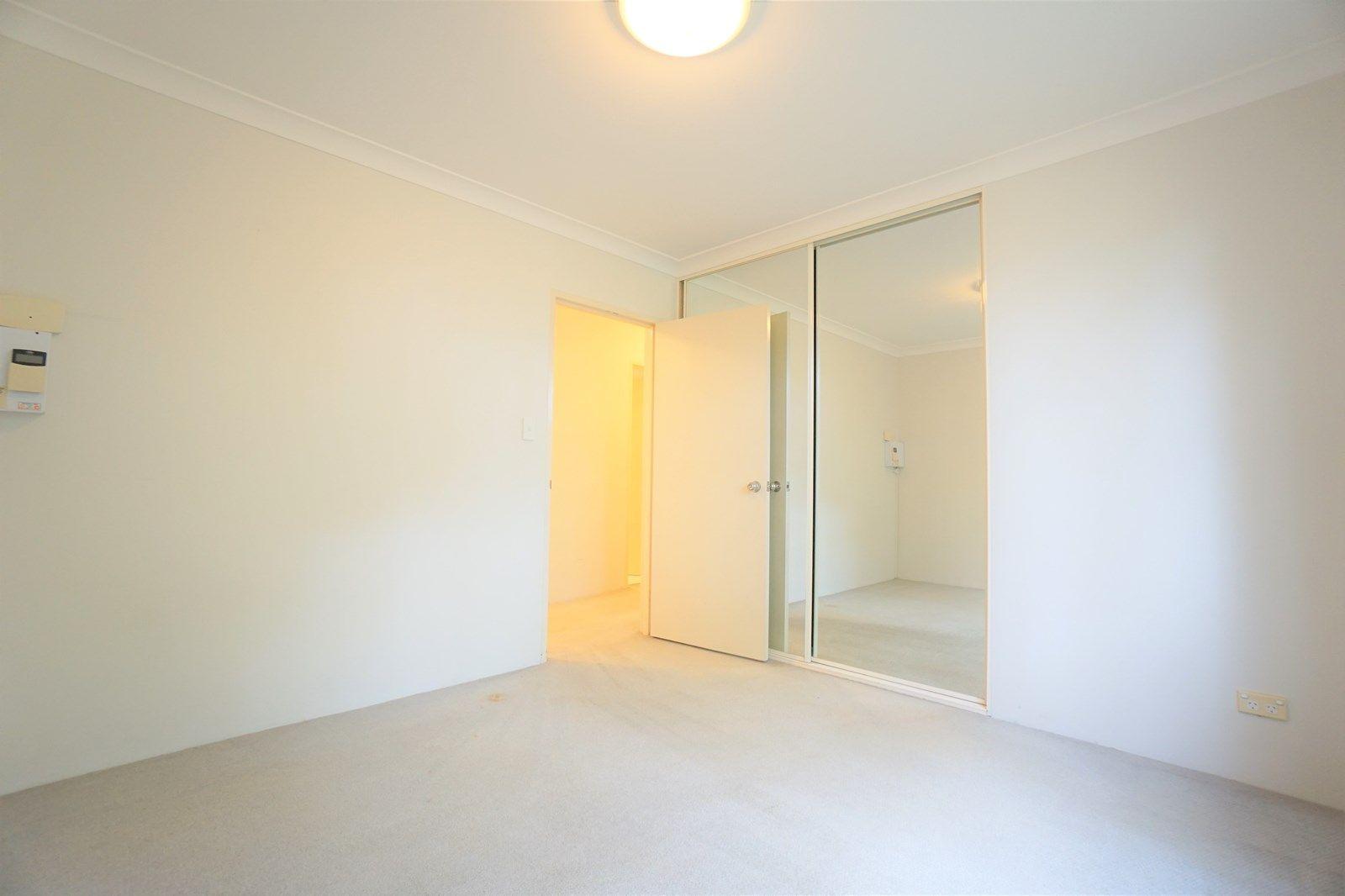 12/37-47 Lancaster Drive, Marsfield NSW 2122, Image 2