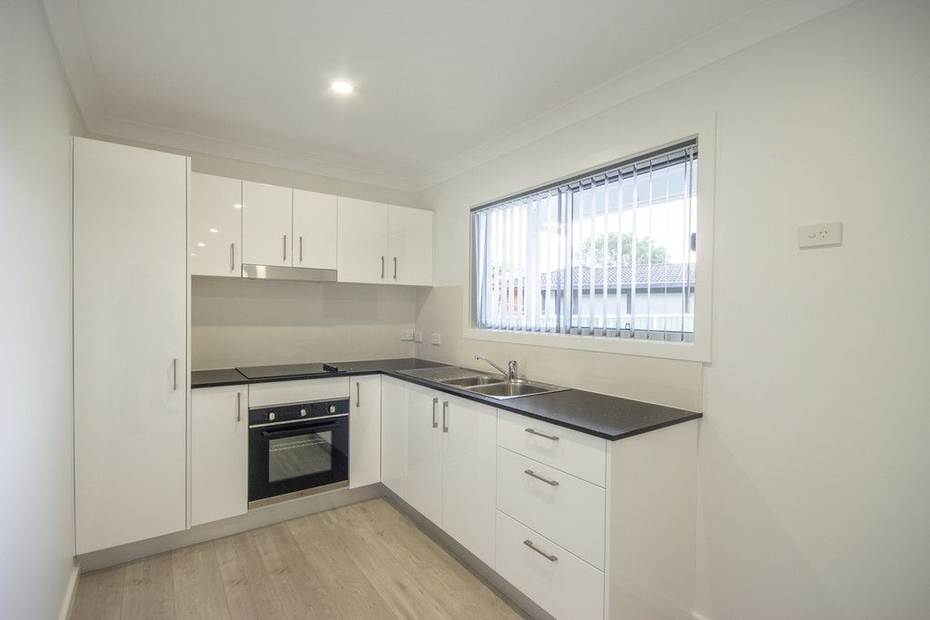 12A Lucas Crescent, Berkeley Vale NSW 2261, Image 2