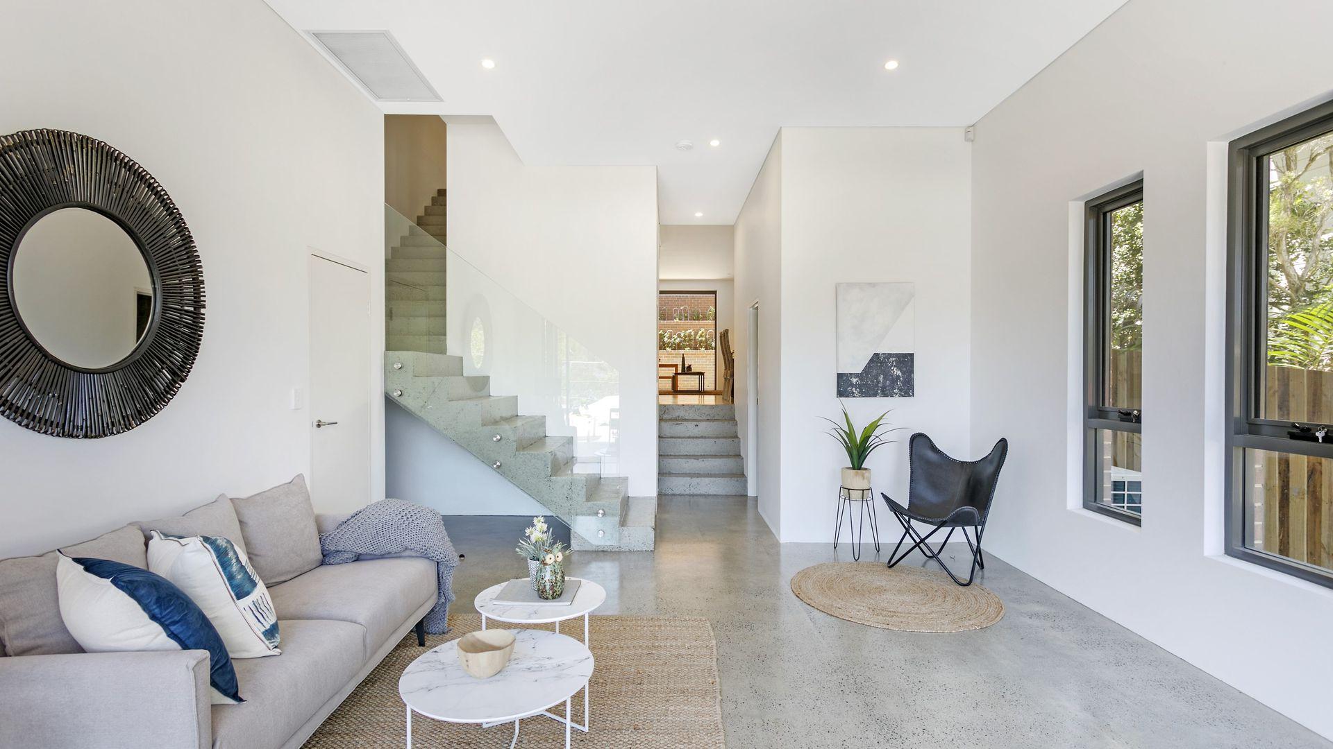 73a Matson Crescent, Miranda NSW 2228, Image 2
