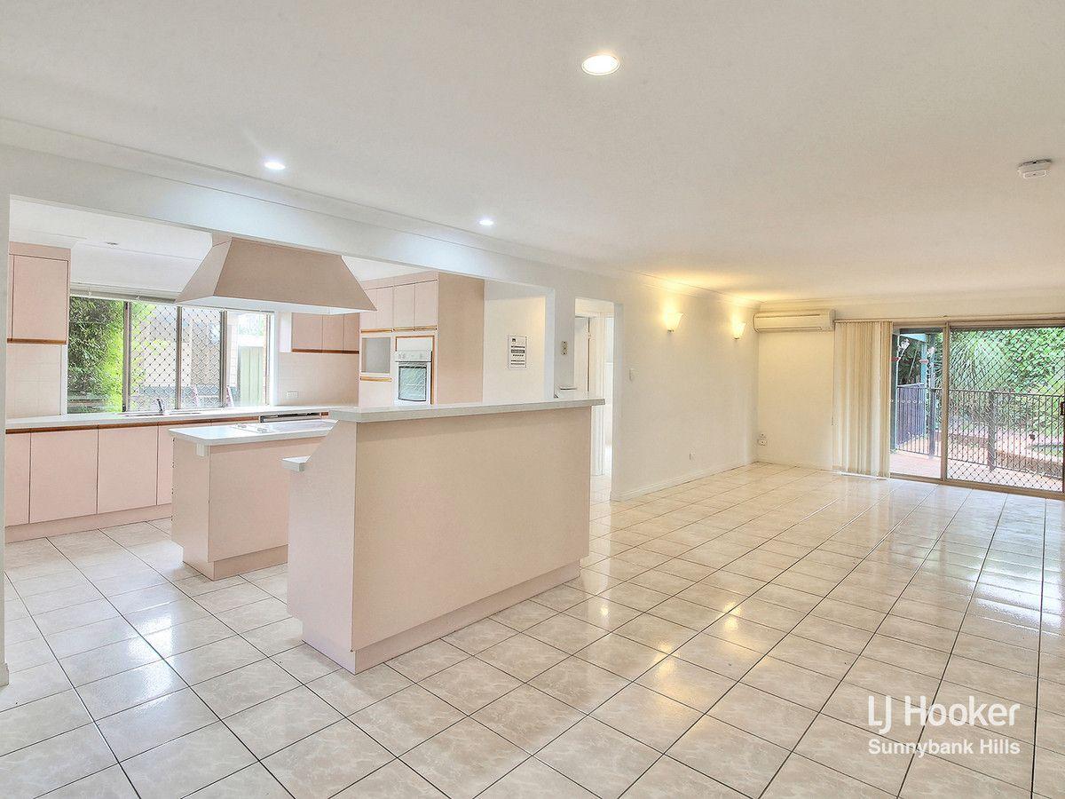 19 Maywood Crescent, Calamvale QLD 4116, Image 2