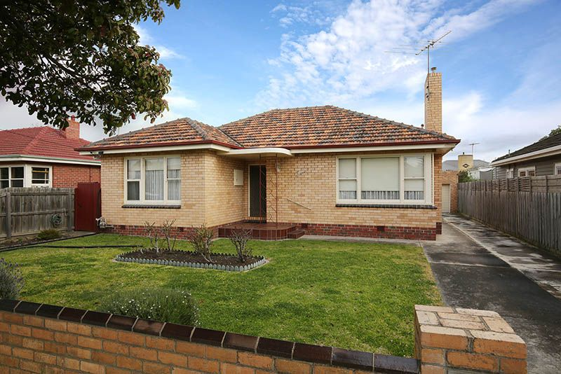 4 Muxworthy Avenue, Herne Hill VIC 3218, Image 0