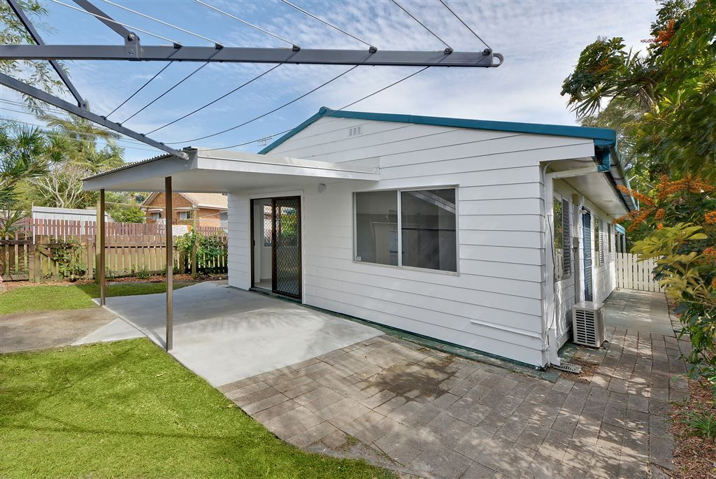 2/9 Hankinson Street, Golden Beach QLD 4551, Image 0