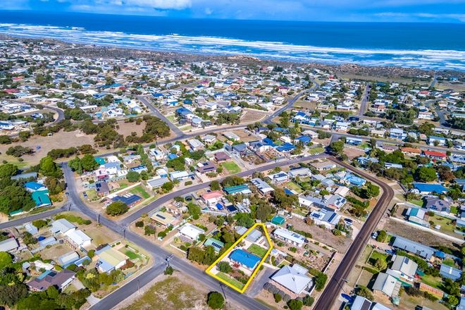 Picture of 15 Cave Street, GOOLWA BEACH SA 5214