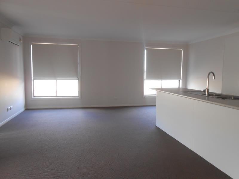60 Kenny Drive, Tamworth NSW 2340, Image 2