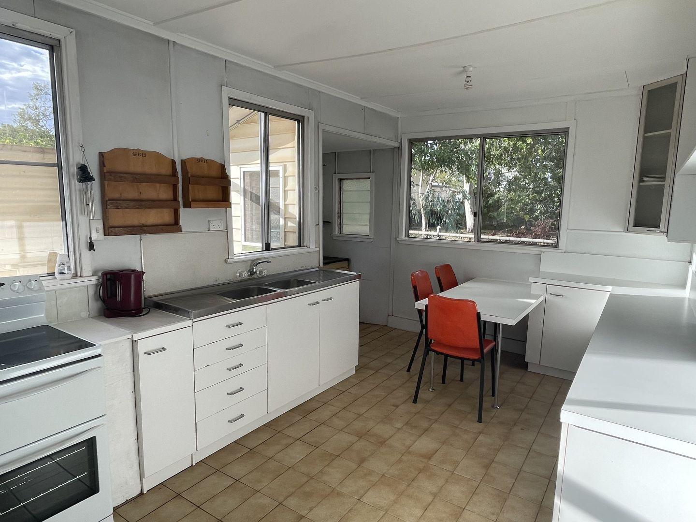 11 Baker Street, Charleville QLD 4470, Image 2