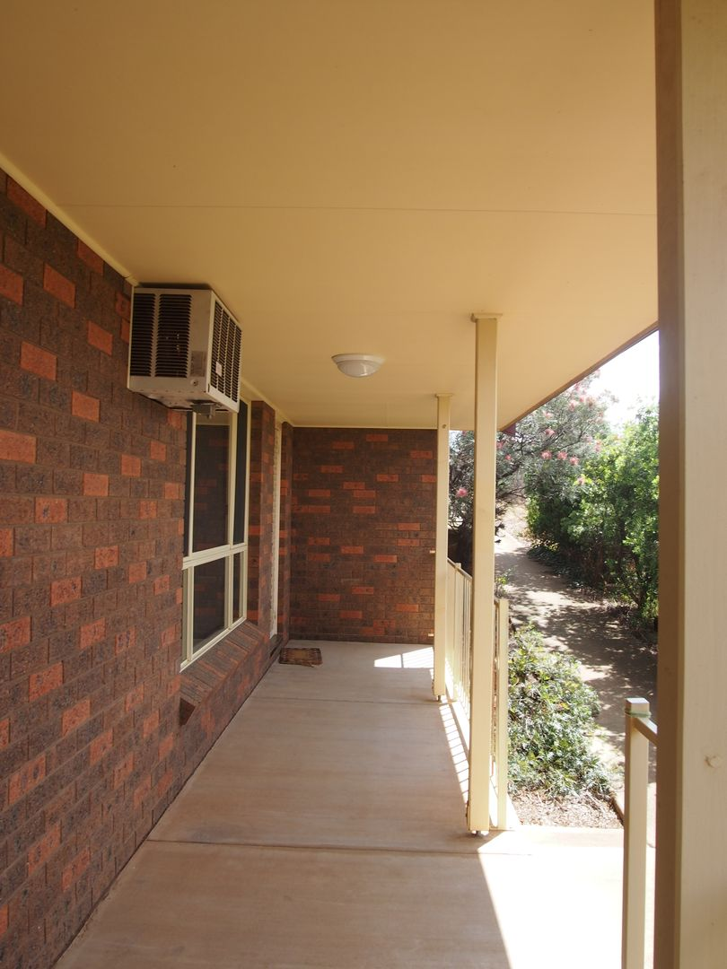 2/22 Howard Street, Parkes NSW 2870, Image 1