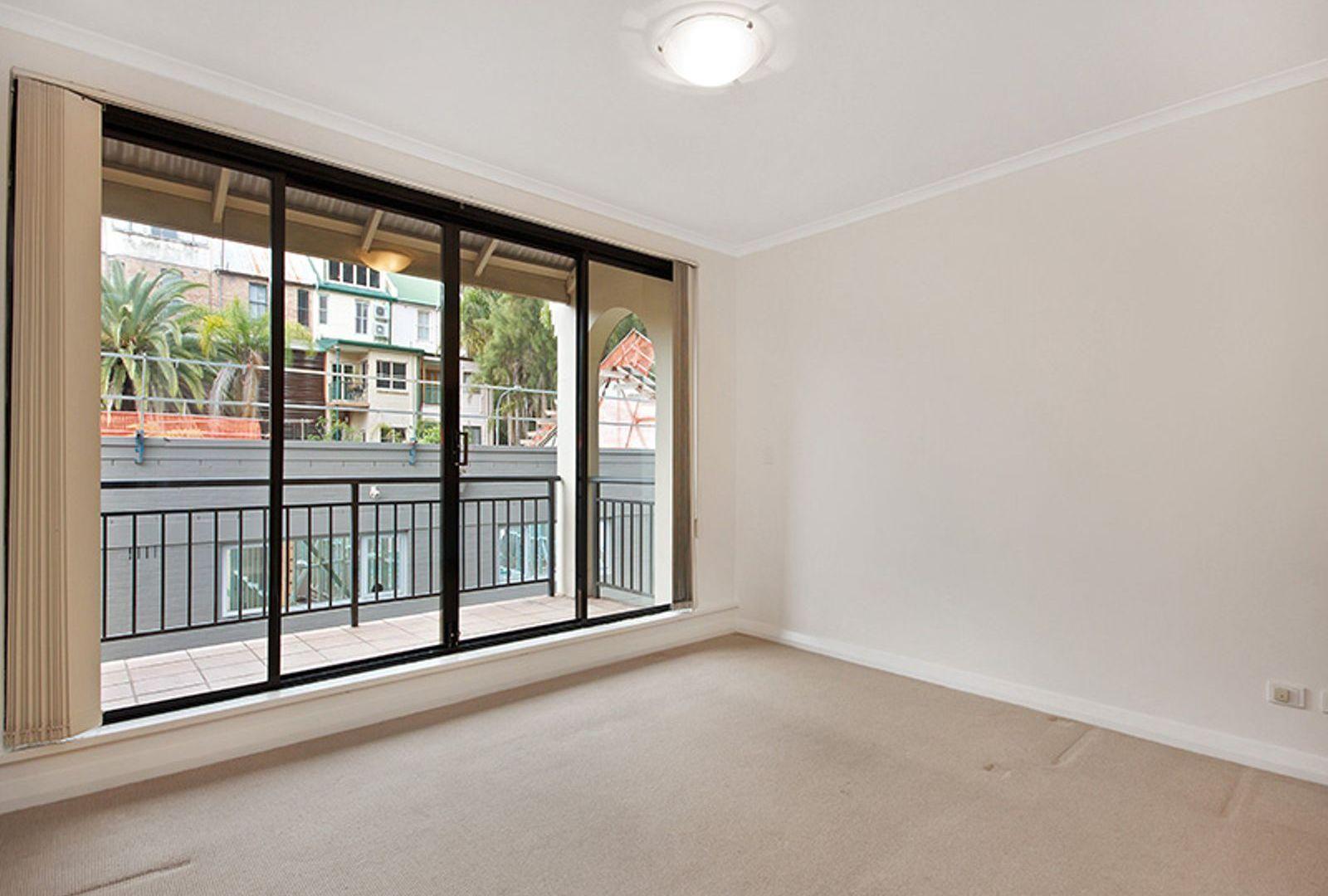25/175 Cathedral Street, Woolloomooloo NSW 2011, Image 2