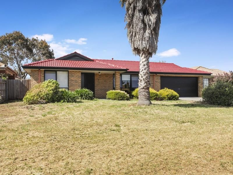 6 Evelyn Close, Melton West VIC 3337, Image 0