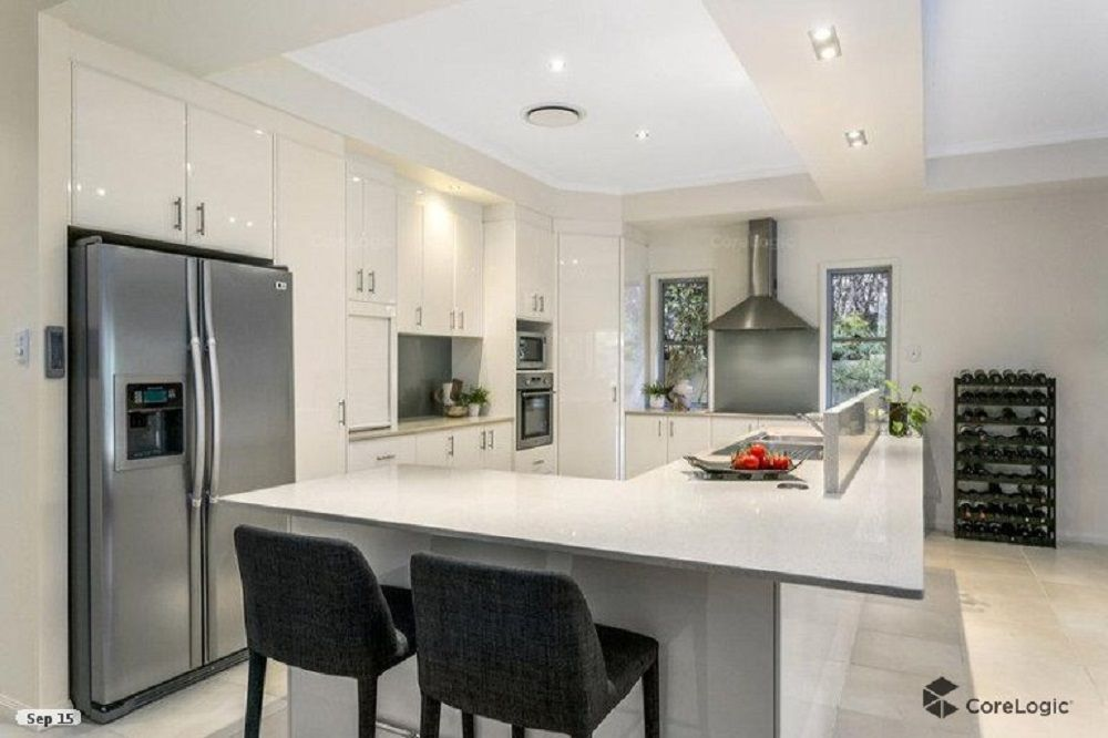 11 La Spezia Court, Isle Of Capri QLD 4217, Image 1