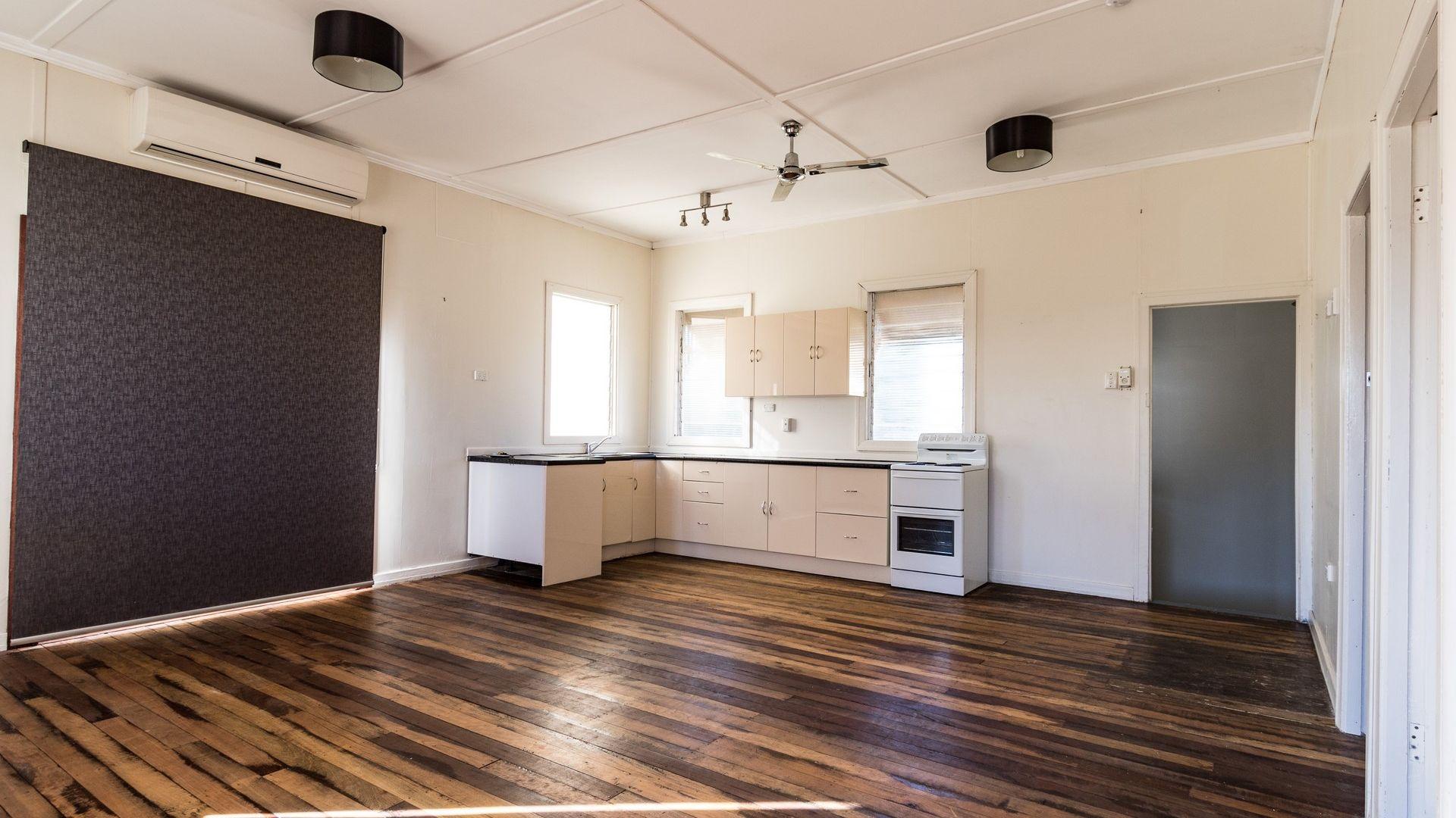 5 Hilton Road, Mount Isa QLD 4825, Image 2
