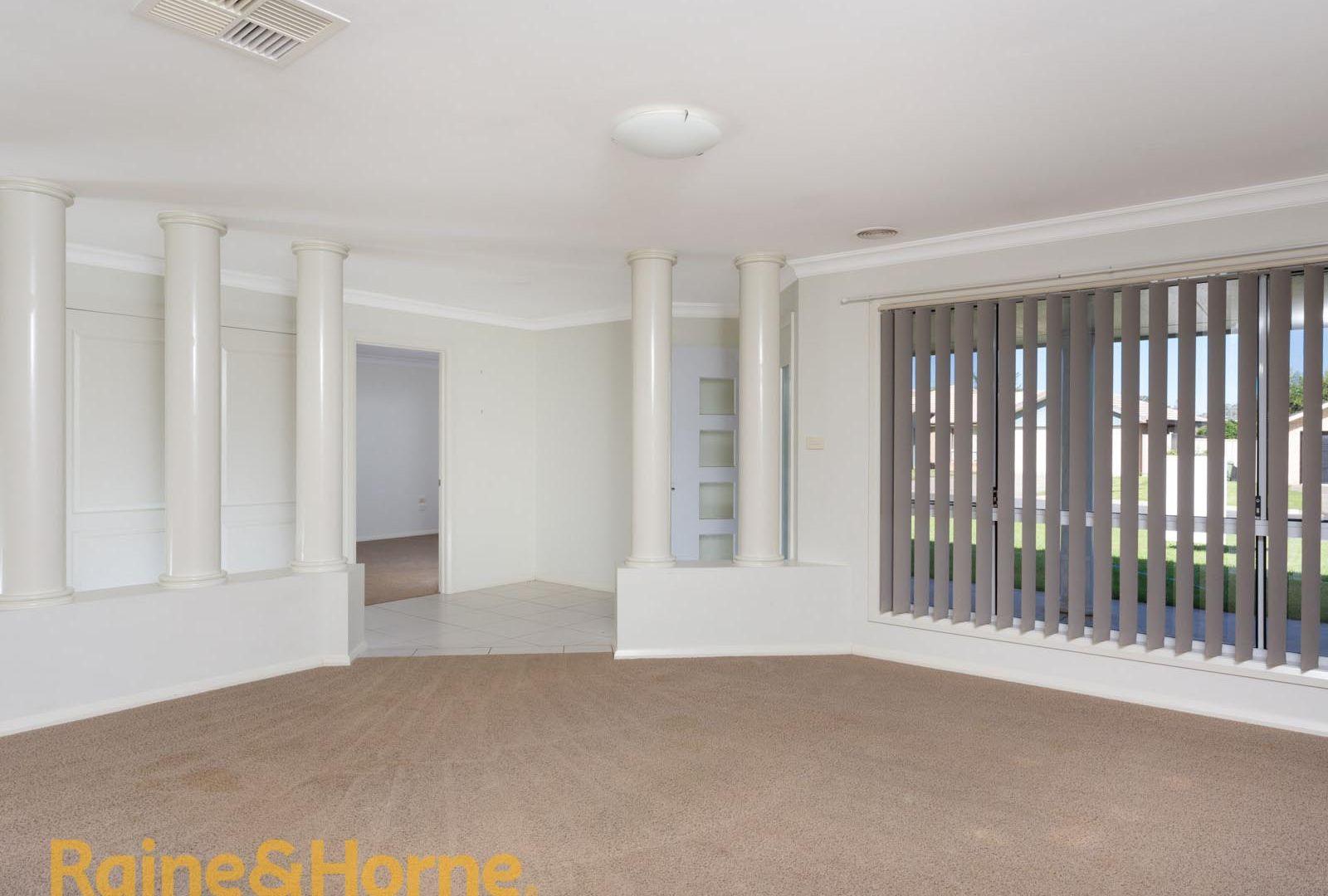 10 Yoogali Street, Glenfield Park NSW 2650, Image 1