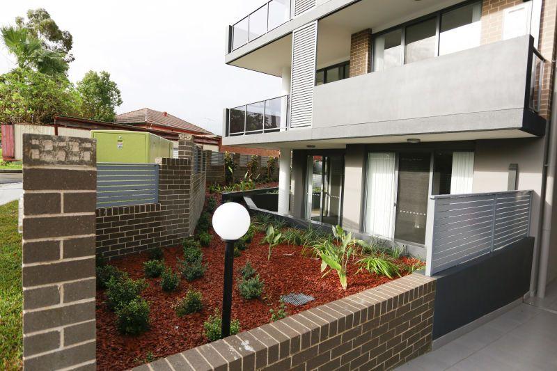 5/2-4 Belinda Place, Mays Hill NSW 2145, Image 2