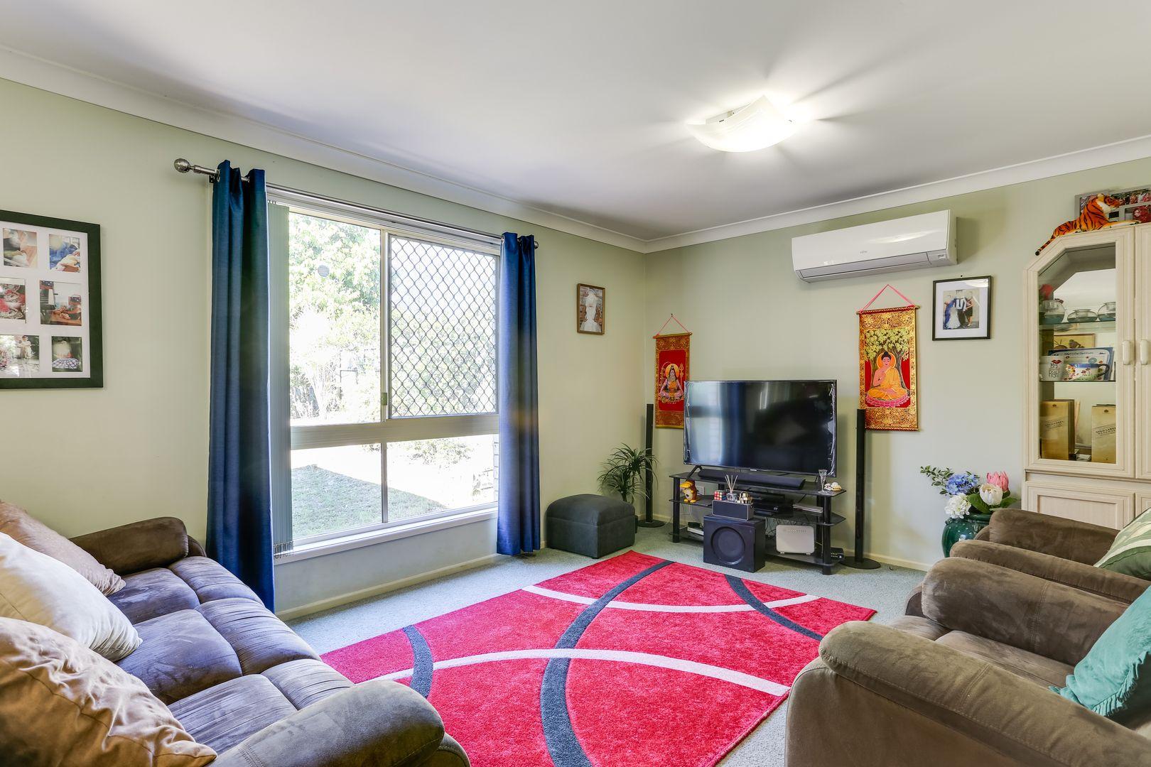 38 Rimu Crescent, Forest Lake QLD 4078, Image 2
