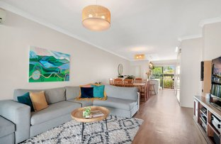 Picture of 2/12-18 Bayview Street, Runaway Bay QLD 4216