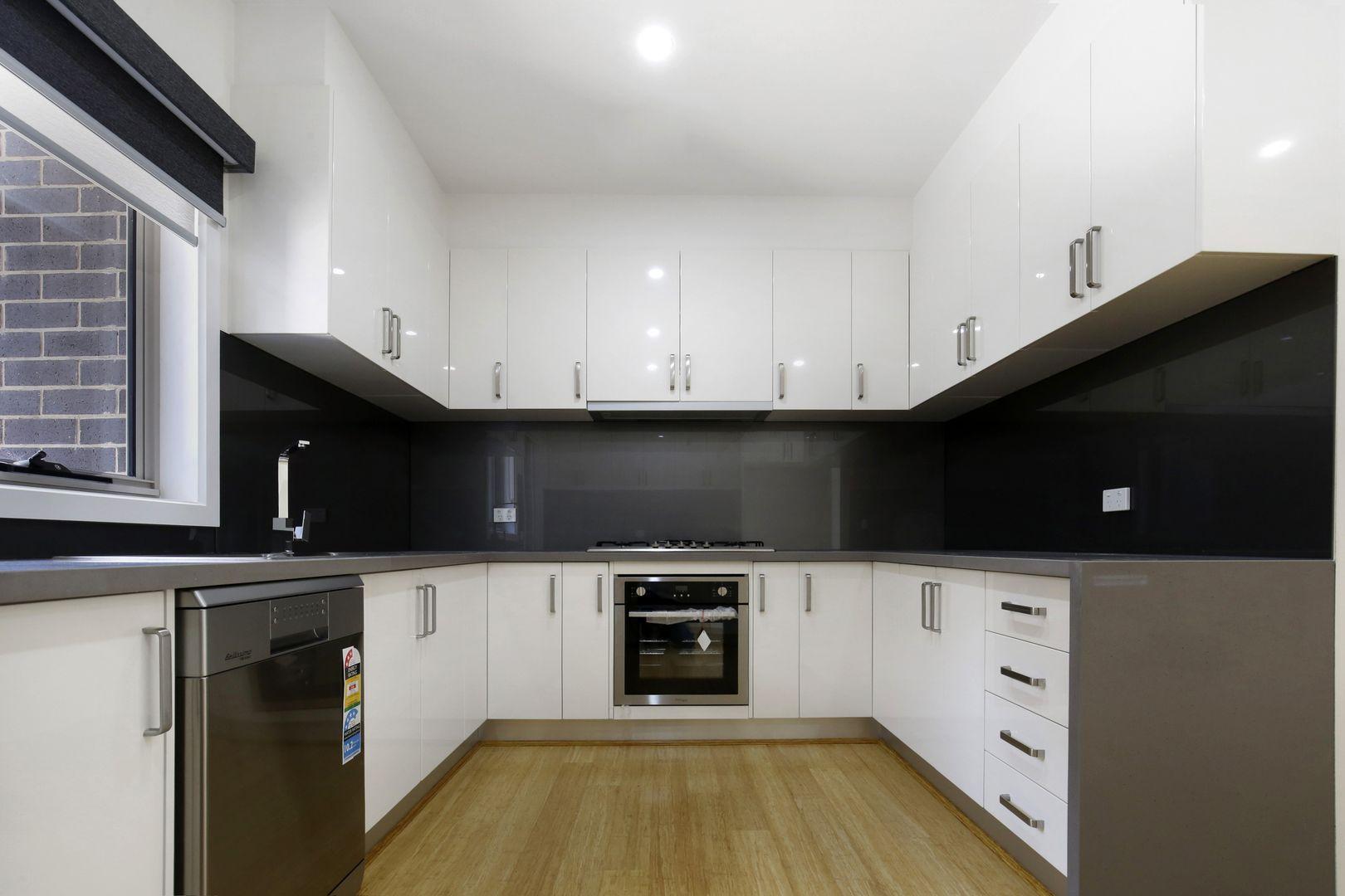 1/118 Nell Street, Greensborough VIC 3088, Image 1