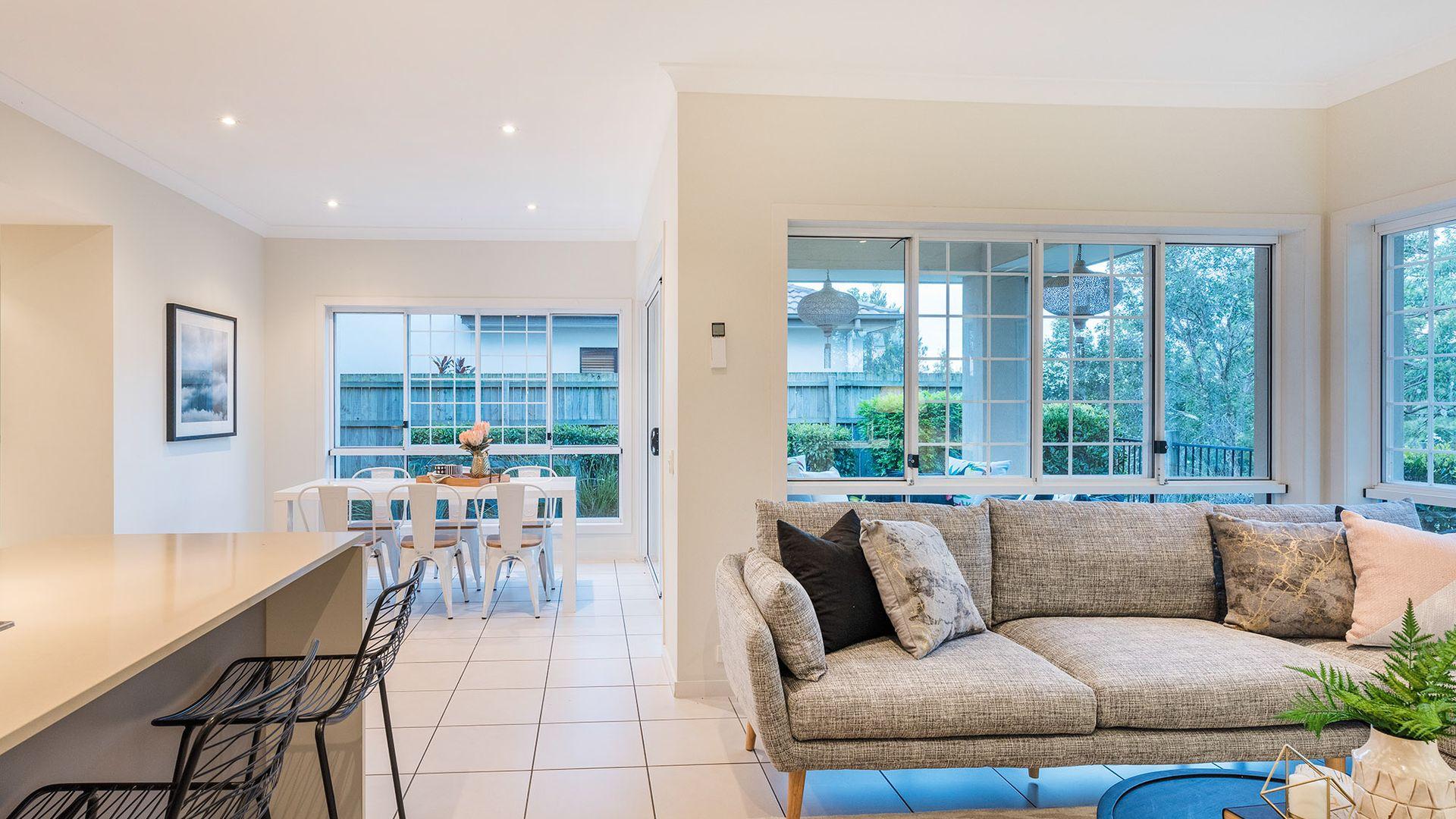 61 Hillcroft Place, Belmont QLD 4153, Image 2
