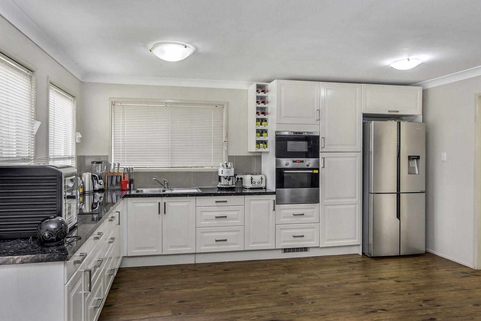 24 Raelene Terrace, Springwood QLD 4127, Image 0