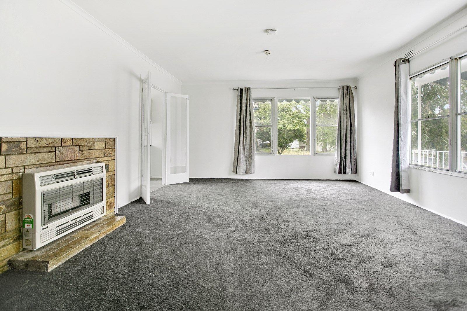 16 Norfolk Crescent, Frankston North VIC 3200, Image 2