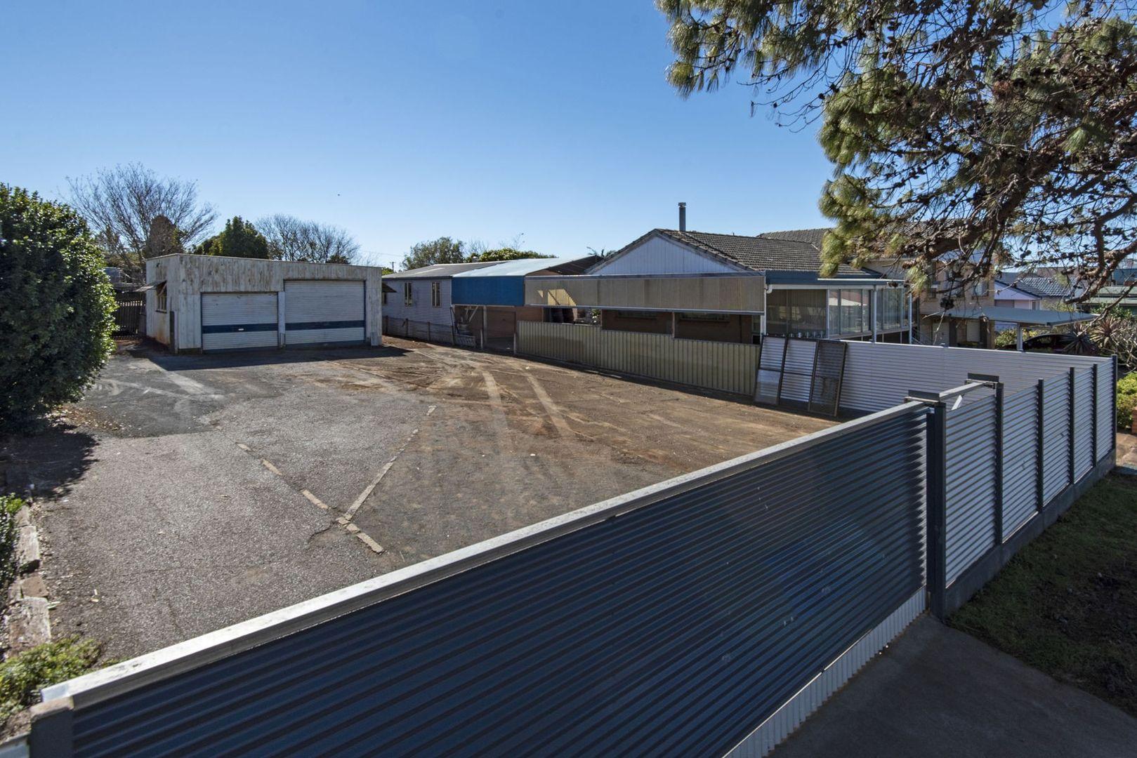 37 Prosser Street, Rockville QLD 4350, Image 2