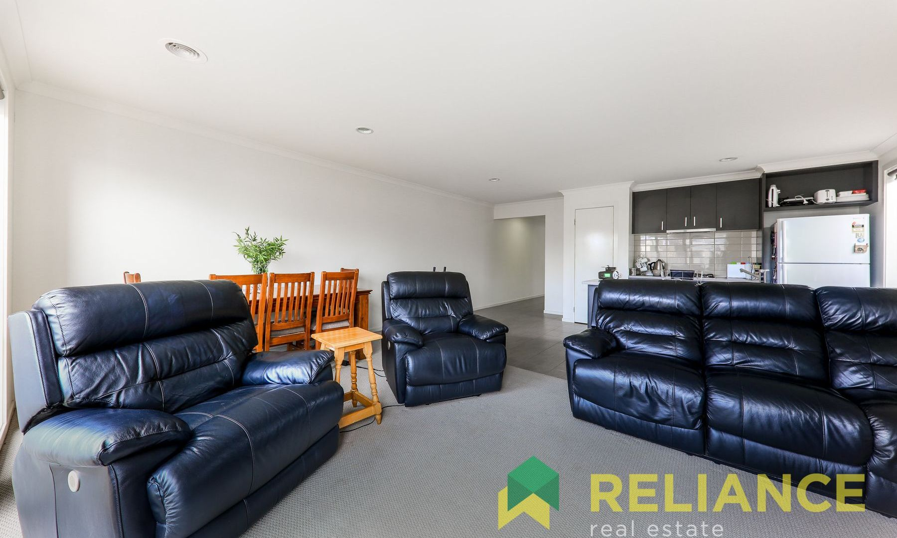 95 Rowling Street, Fraser Rise VIC 3336, Image 2