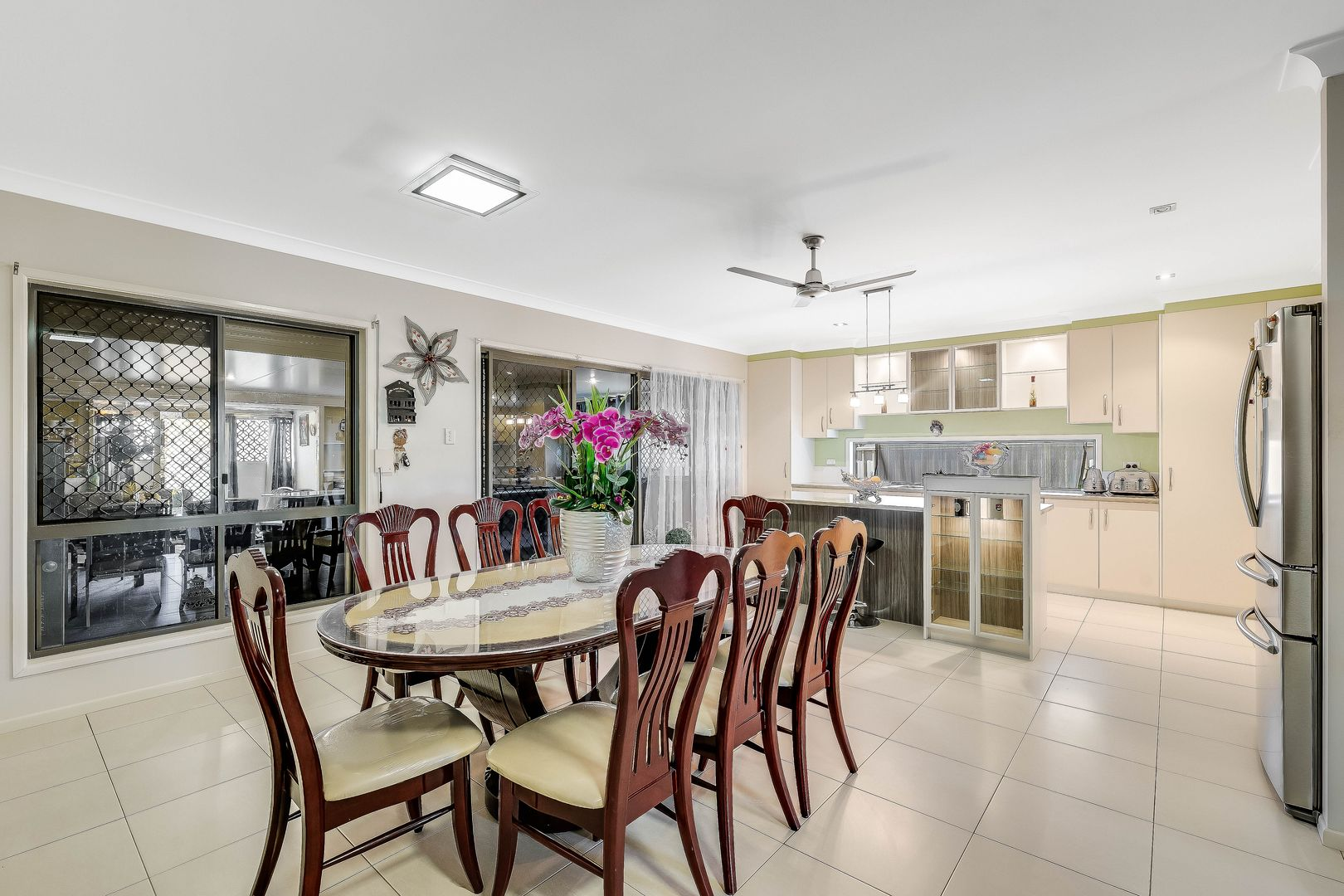 9 Woodville Court, Wyreema QLD 4352, Image 2