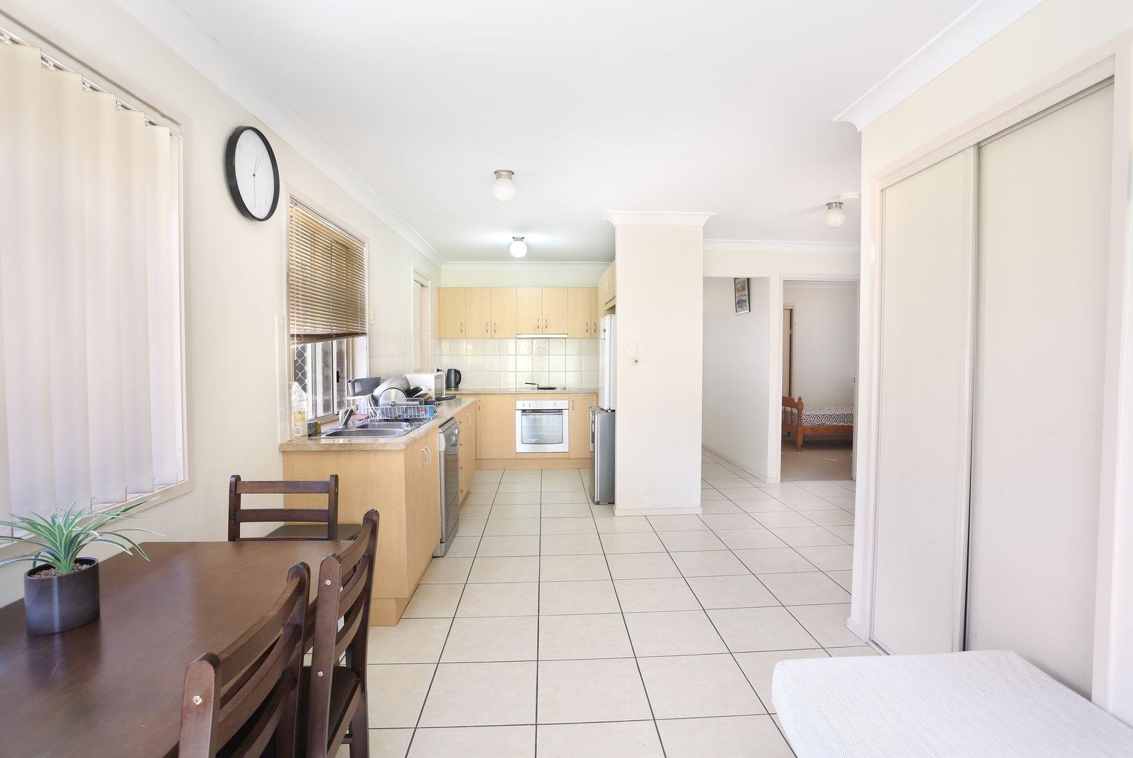 32 Emily Place, Sumner QLD 4074, Image 2