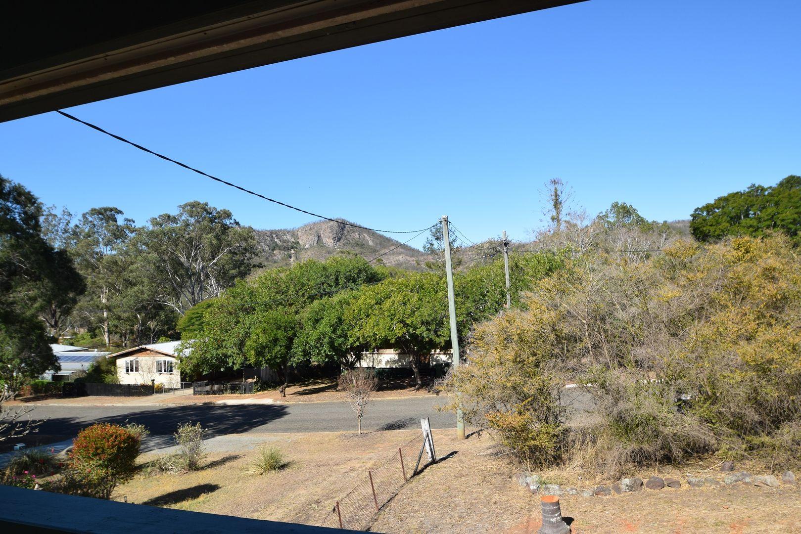 17 Down Street, Esk QLD 4312, Image 2
